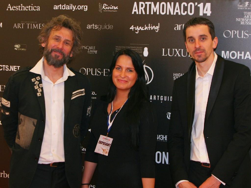 Na zdjęciu (od lewej): Mistrz - Tomasz Sętowski, Agata Kolasińska (Art Manager) i Paweł Kamiński (właściciel galerii Touch of Art).