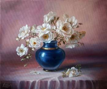 White Roses in a Blue Vase - Lidia Olbrycht