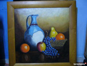 Old pitcher and grapes. - Małgorzata Grzechnik